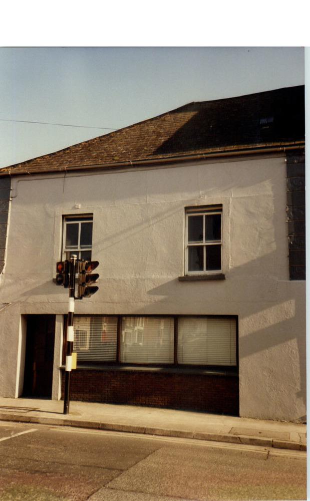10 Irishtown-R95DH32-1987.jpg
