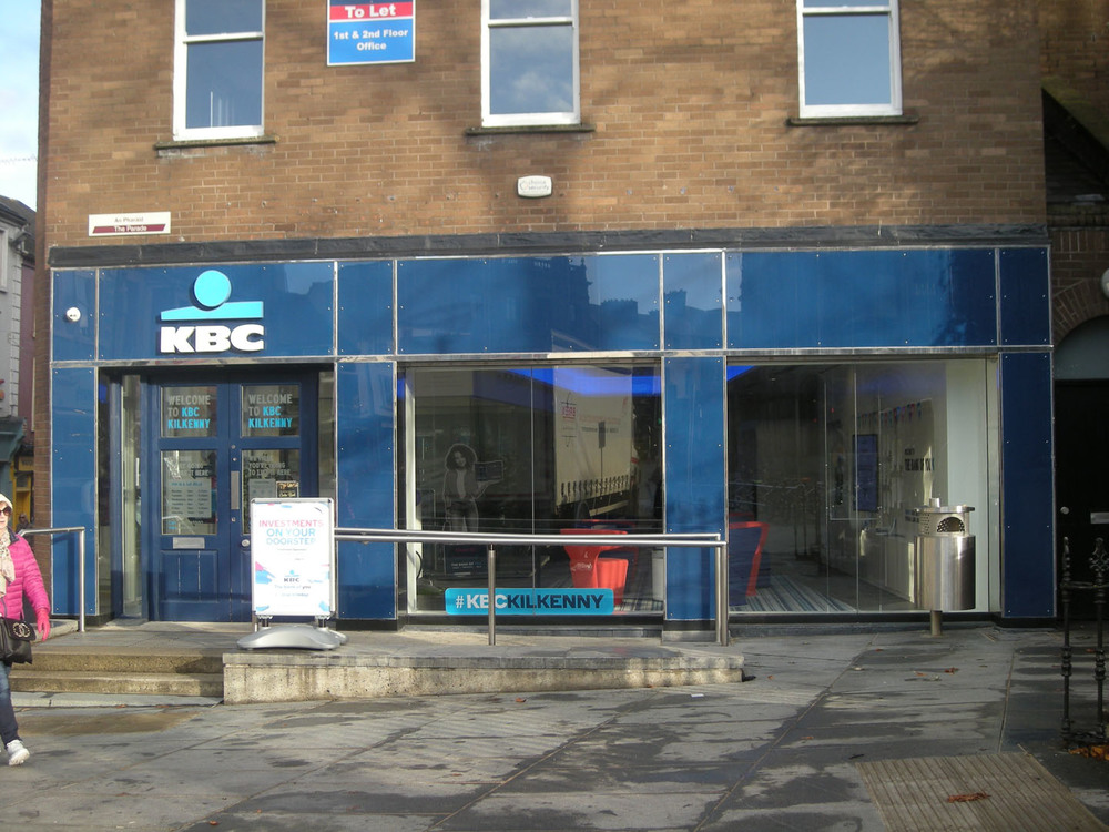KBC Bank Rose Inn St-R95Y672-2018.jpg