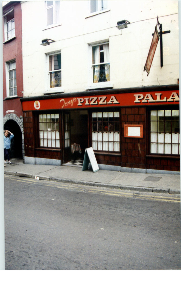 Abrakebabra-8 Rose Inn St-R95NH95-1994.jpg
