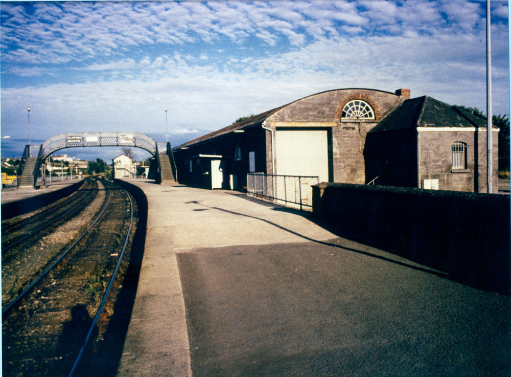 Railway Station Dublin Road 50001.jpg