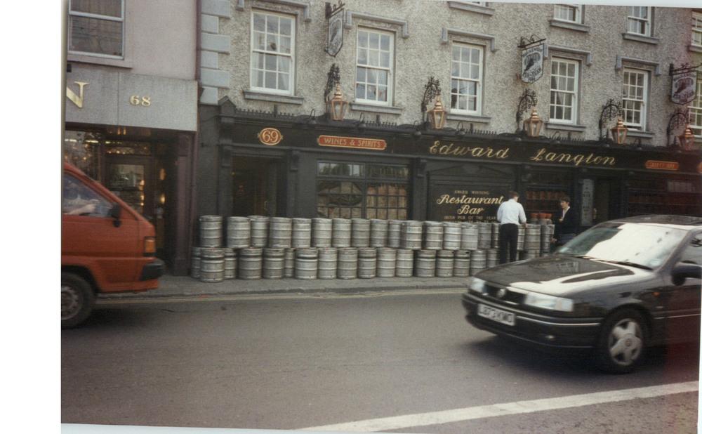 Langtons Bar and Restaurant 69 John St Lower-R95XN44-1994.jpg