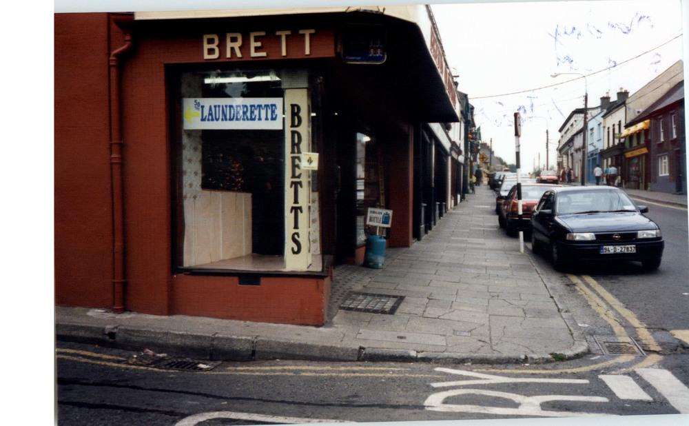 Bretts Hardware-22 John St Upper-R95V6X4-1994.jpg