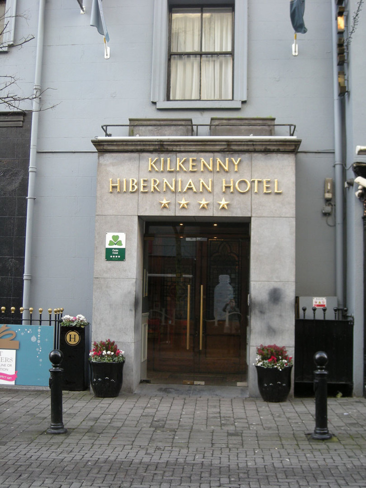 Hibernian Hotel 1 Ormond Street-R95WTK3-2018 (5).jpg