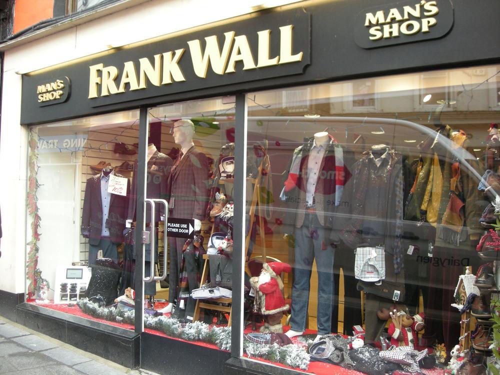 Frank Walls Man Shop 96-97 High St-R95E120-2018 (4).jpg