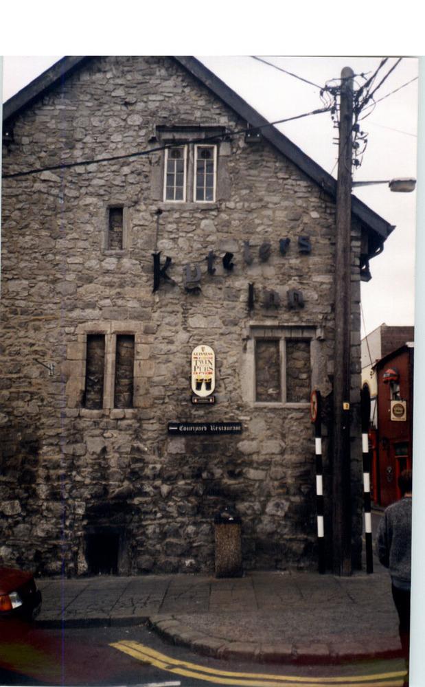 Kytelers Inn-Kieran St-R95RP40-1994.jpg