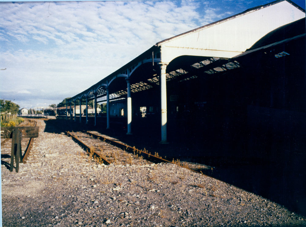 Railway Station Dublin Road 60001.jpg