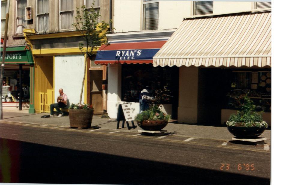 High Street General View-1994.jpg
