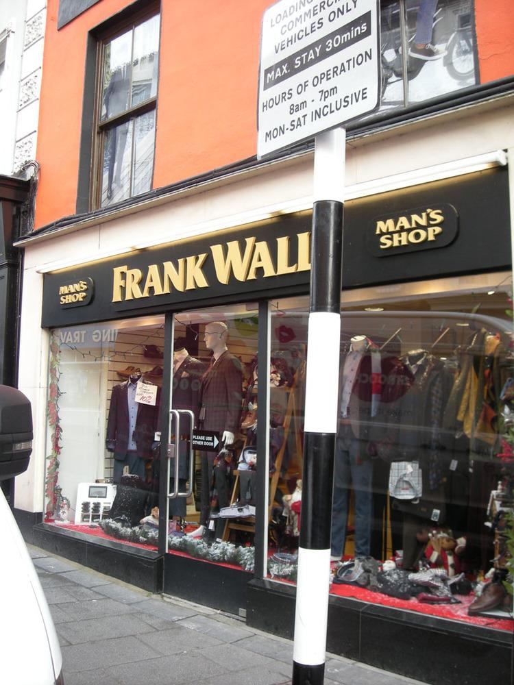 Frank Walls Man Shop 96-97 High St-R95E120-2018 (3).jpg