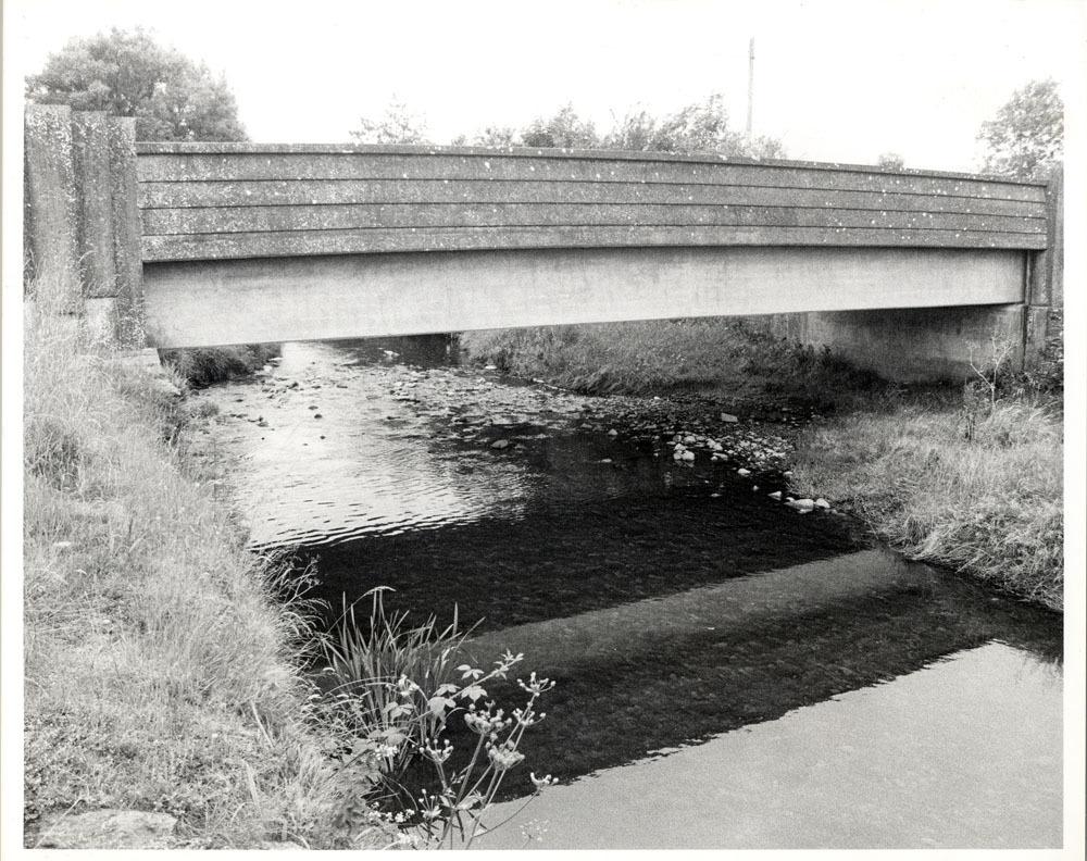 Cloneen Moneenroe Castlecomer Bridge0001.jpg