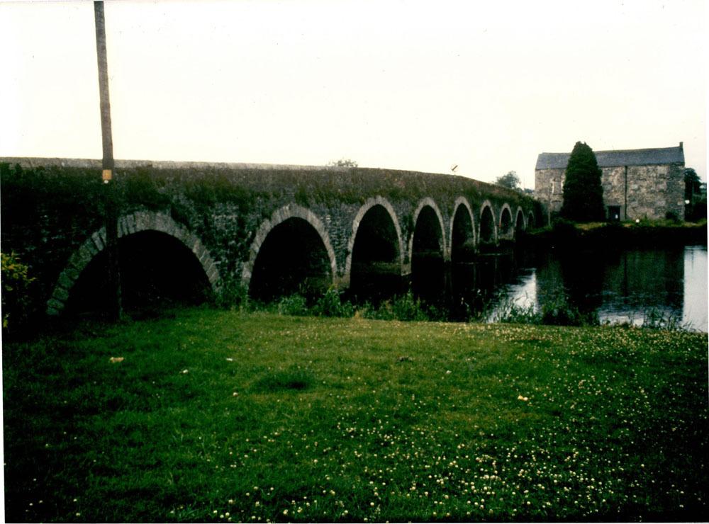 Barrowmount Bridge Goresbridge  2.jpg