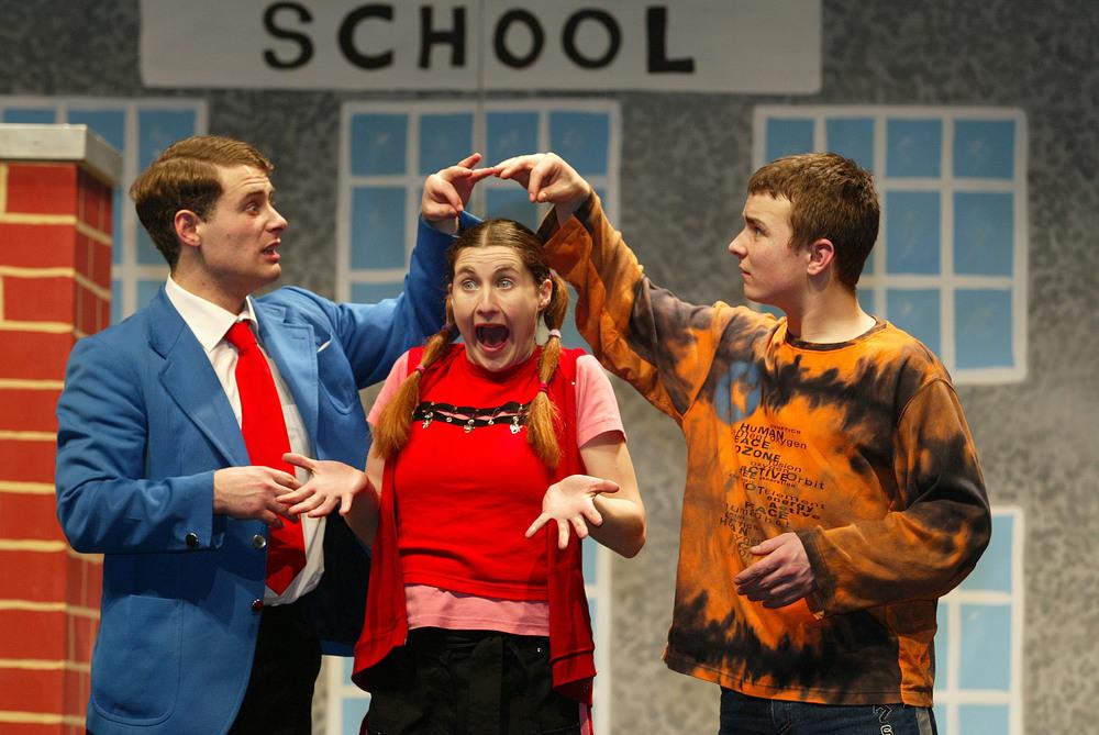 L to R: Digger (Martin McCann), Dee-Dee (Sarah Dillon) and Doc (Alan Walsh)