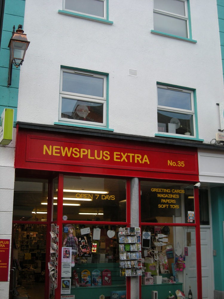 Newsplus Extra 35 Kieran St-R95YPW2-2018.jpg