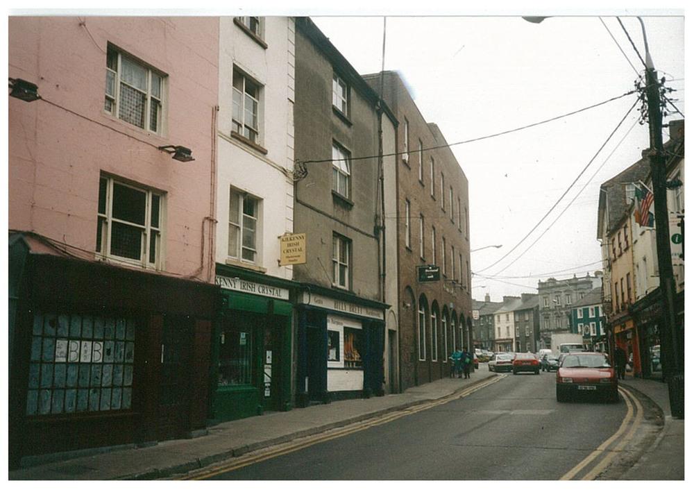 Rose Inn street 1987.jpg