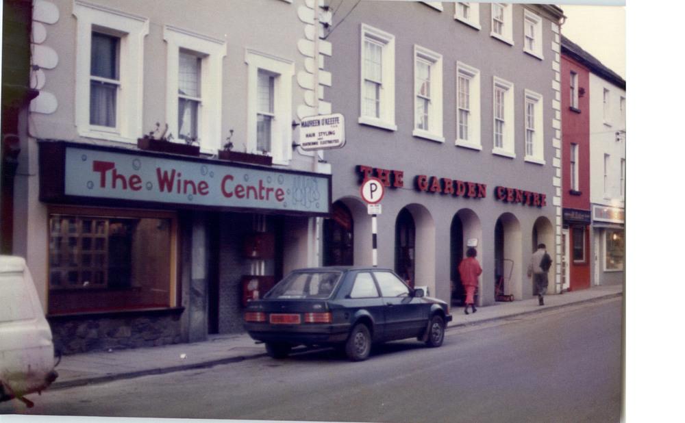 The Wine Centre 15 John St Lower R95H2CE.jpg