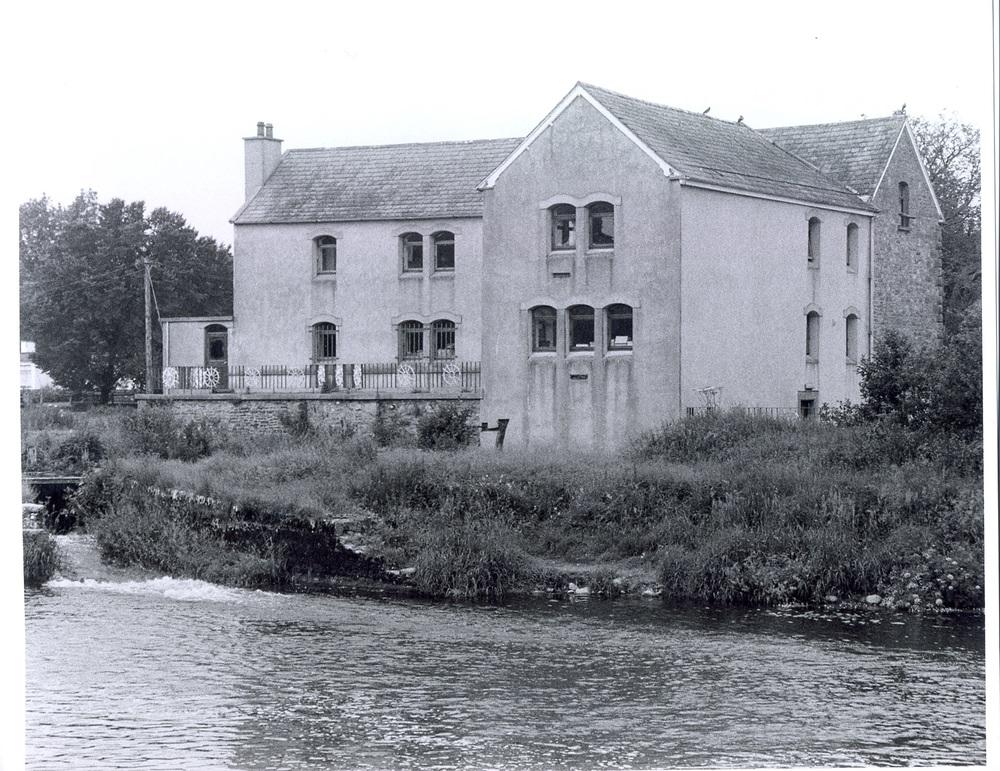 Burrellspark Grain Mill 20002.jpg