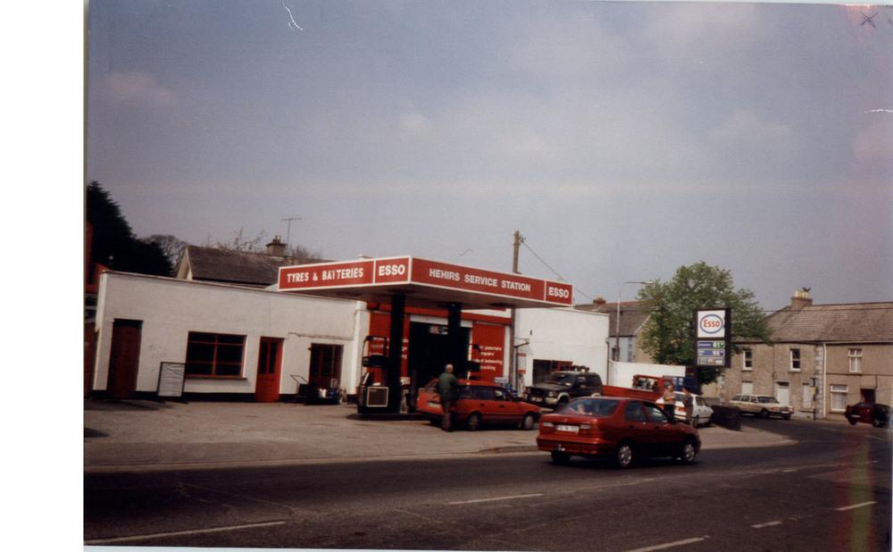 AppleGreen Irishtown Filling Station-St Canices Place-R95CFT6-1997.jpg