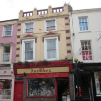 D and R antiques 3 Rose Inn St-R95NA02-2013.jpg