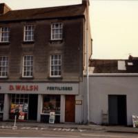 D Walsh-Vicar St-R95KW56-1987.jpg